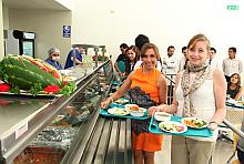 Extra maestras de la faspyn en la unidad de servicios de alimentación