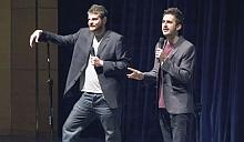 Julián y Raul, durante su actuación
