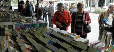La visita a la Feria del Libro, es una cita obligada en las Fiestas de Semana Santa