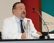 Dr. José Antonio Velasco Medina, Director Quirúrgico y Jefe de Servicio COT (2)