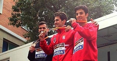 Corchete, primero por la izquierda, medalla de bronce en 20 Km, Nacional de marcha