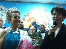 La concejal de 3ª Edad con la nueva Reina