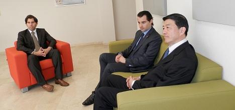 El alcalde, junto al aconcejal de Turismo, se entrevistó el pasado s´ábado con el Cónsul Gneeral de Japón en España
