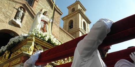 La imagen de san Juan, sale del Templo dela Inmaculada (Procesión de las Palmas, 2012)