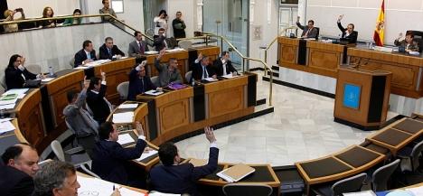 Momento de la votación del Plan  de Residuosde la zona XVII