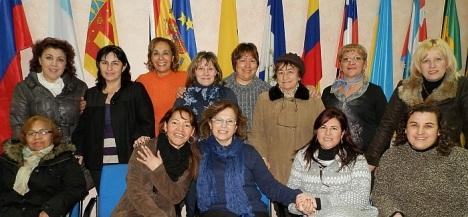 Encarna Hernández, con miembros de Asila el día de su nombramiento