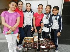 Seis de las siete niñas solidarias