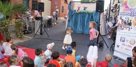 Los niños participan activamente en la jornada VER WEB)