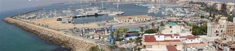 Vista general del Puerto de Torrevieja (P. Grimao)