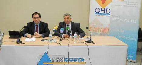 A´baladejo y Navarro¡, durante la extensa rueda de prensa de ayer