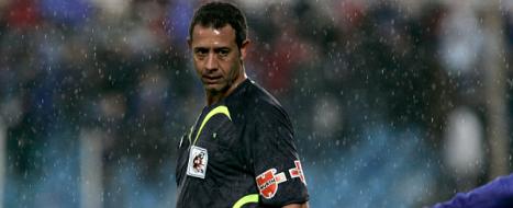 Pérez Lima, durante uno de sus numerosos partidos como árbitro de primera división