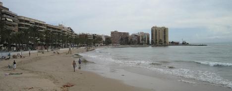 Las playas comienzan a despoblarse con la llegada de las lluvias