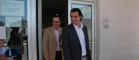 Dolón y Albaladejo abandonan los juzgados tras su declaración. F.REYES