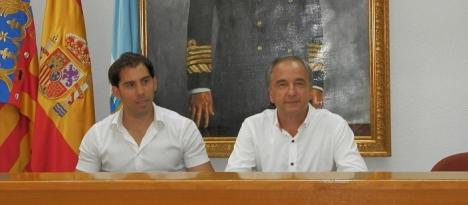 Luis María Pizana y Agustín , comperecen ane la prensa ayer