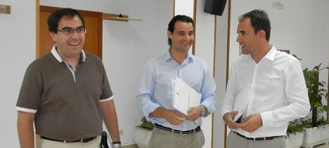 Allaladejo, Dolón y Moreno, momentos antes de inciarse la rueda de prensa en que se dieron los detalles de la noticia