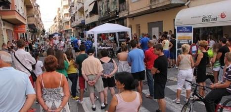 Animación comercial un sábado en las calles peatonales