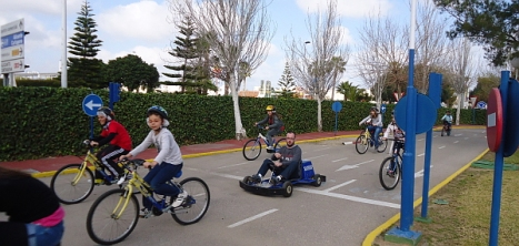 El curso se imparte en el parque Móvil Infantil de Torrevieja