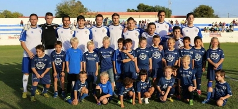 FC Torrevieja-Junior Strikers