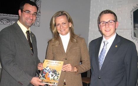 El presidente Jesús Seva, la periodista y pregonera 2014, Isabel San Sebastián y Antonio Aniorte, Jefe de Prensa de la JMC