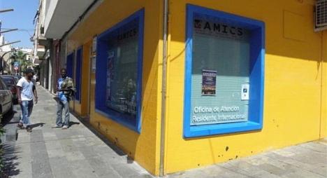 Oficina Amics, en calle Caballero de Rodas