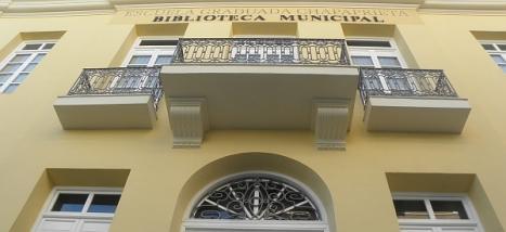 "Biblioteca Pública Municipal ""Carmen Jalón"" de Torrevieja"