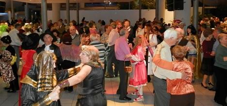 Baile de carnaval en el C.M.O. - (Archivo 2013)