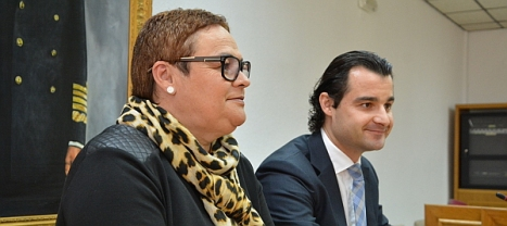 Eduardo Dolón y Carmen Gómez, durante la rueda de prensa de ayer