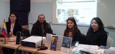 Técincos electorales ecuatorianos en el CIAJ, ayer