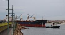 VIDEO: Entrada del carguero al puerto de Torrevieja