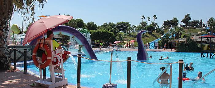 Quieres trabajar este verano en aquopolis de torrevieja for Oficina de empleo torrevieja