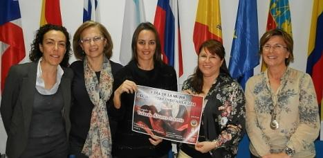 """Encarna Hernández. """"Mujer del Maditerráneo 2013, Yolanda Álvarez y María Nubia Salazar"""