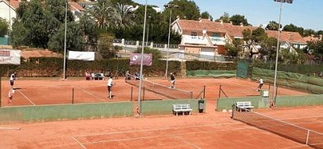 Vista de algunas de las pistas del Club de Tenis Torrevieja