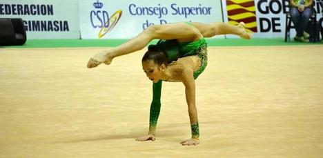 Polinza Bezarina, gimnasta de la Escuela de Gimnasi Rítmoca de Torreveija