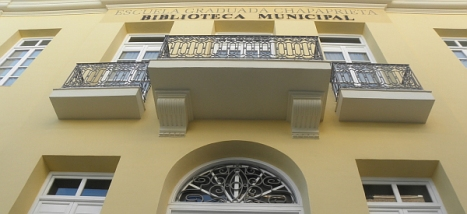 "Biblioteca Pública Municipal ""Carmen Kalón"""