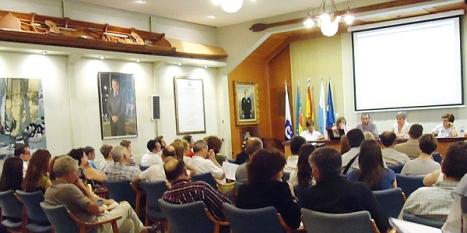 Aspecto del Salón de Actos del RCNT durante la presentación