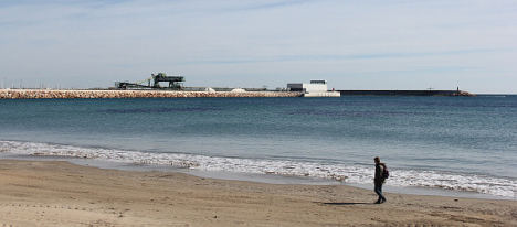 Dique de Poniente, desde la Playa de los Náufragos