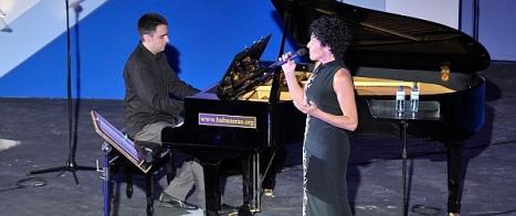 """VÍDEO: Nina canta """"La dulce habanera"""" (Certamen I. de Habaneras y Polifonía de 2012)"""