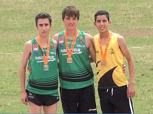 Podium 2000 obstáculos con Iván Martínez (Izda.)