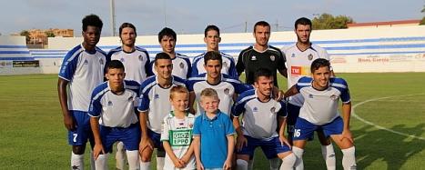 Equipo titular del CD Torrevieja, que jugó el último amistoso