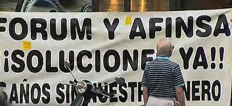 Pancarta reclamando justicia para los afectados de Fórum y Afinsa