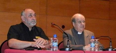 El Rvdo. José Romás-Flecha, junto al Párroco de la Inmaculada, Don Manuel Martínez Rocamora