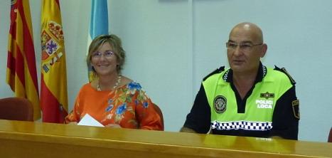 La concejal de Policía, Agustina Esteve y el Intendente Principal, Vicente Gutiérrez