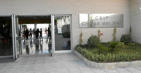 Entrada al CEIP Ciudad del Mar, una de cuyas Ampas firma el comunicado