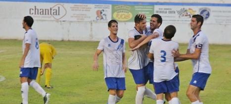 Los jugadores del Torrevieja celerban un gol, algo que esparamos se produzca muchas veces este domingo