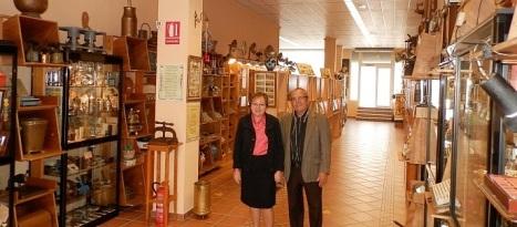 Conchita Moreno, junto al director del Museo
