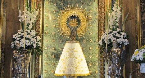La Virgen del Pilar en su camerino