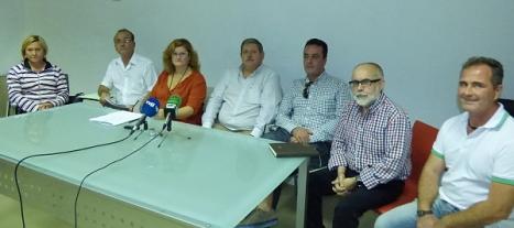 Reunión celebrada ayer en la Sala de prensa del teatro Municipal