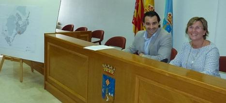 Eduardo Dolón y Agustina Esteve al inicio de la rueda de prensa