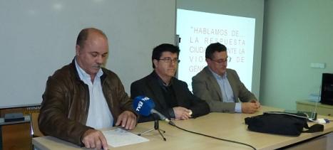 Tomás Ballester junto a los ponentes