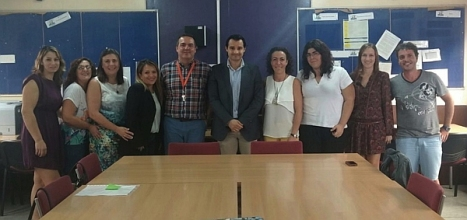 El alcalde con directivos y docentes del centro